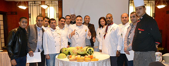 Training Fruit and Vegetable Carving